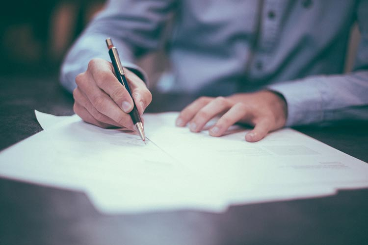 Hire a Lawyer to Draft Your Business Contracts